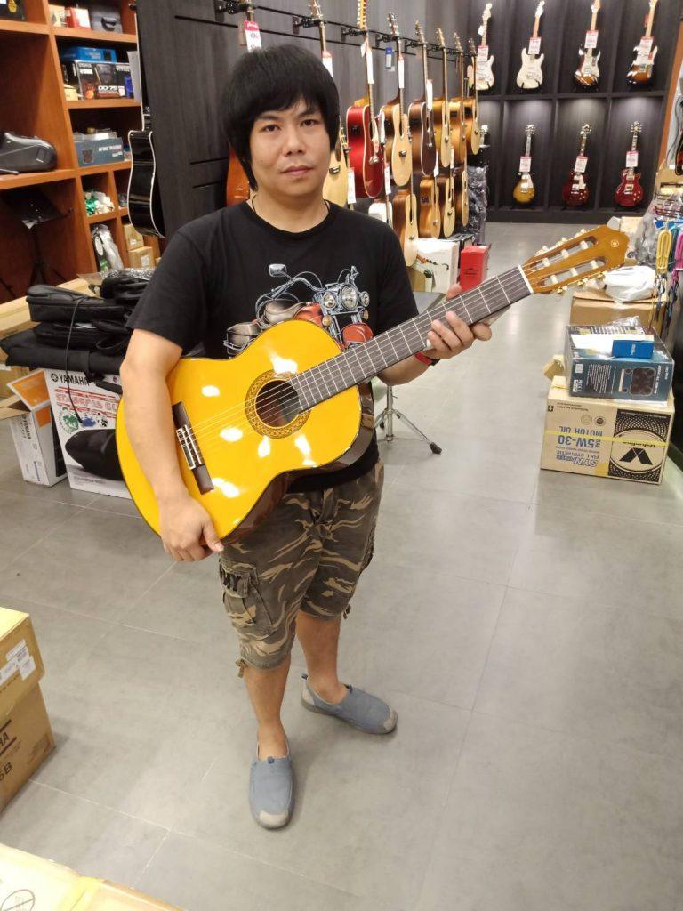 ลูกค้าที่ซื้อ Yamaha Classic C80