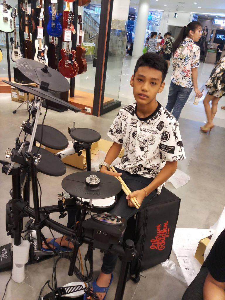 ลูกค้าที่ซื้อ Roland Electronic Drum TD-11K