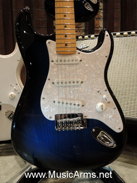Squier O-LARN SIGNATURE STRATOCASTER SERIES II BY FENDER Blue Brust ขายราคาพิเศษ