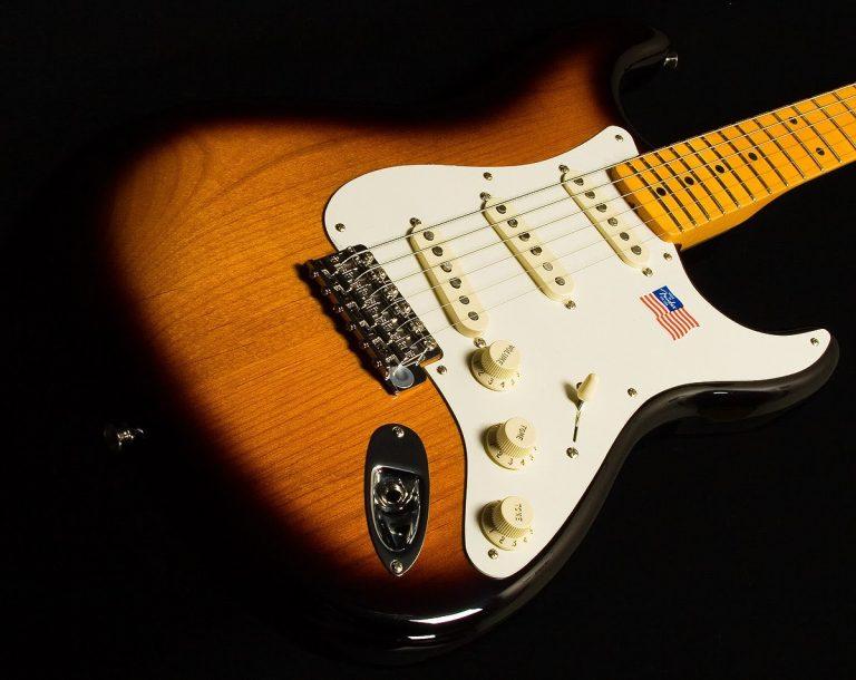 Fender Eric Johnson Stratocaster ขายราคาพิเศษ