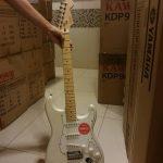Squier Deluxe Stratocaster ขายราคาพิเศษ