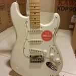 Squier Deluxe Stratocaster ลดราคาพิเศษ
