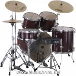FEATURES Combined brezova-lime corpora of thickness 7.2 mm Maple bass drum rims in the color corresponding set Small, at one point attached mussels New ITS hanging toms (drums drilled body) REMO UX membrane Ball joint holders toms Bass Drum: 22x8