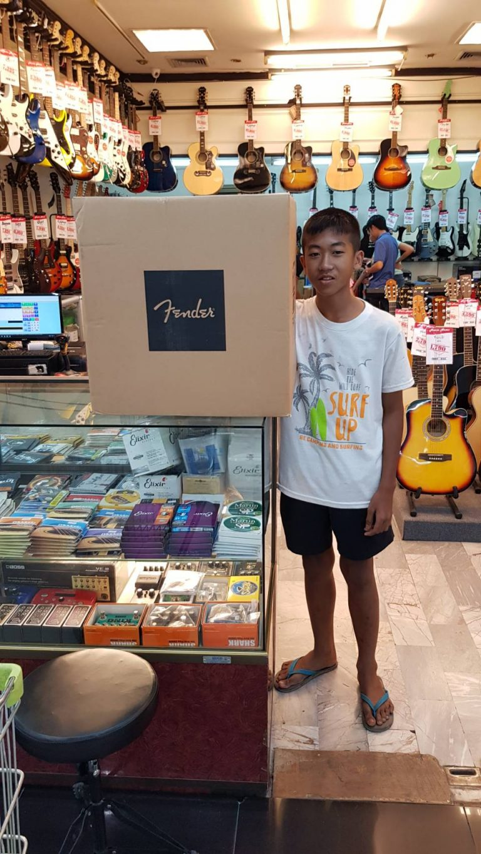 ลูกค้าที่ซื้อ Fender Rumble 25