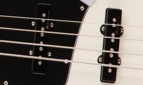Fender Deluxe Active Jazz Bassคอย