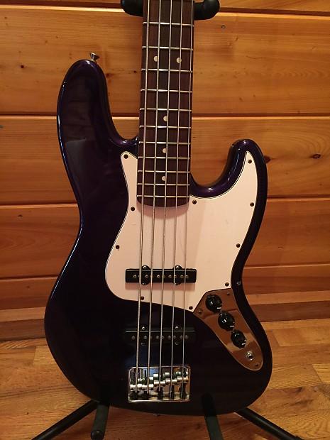 Fender Standard Jazz Bass V Strings 1