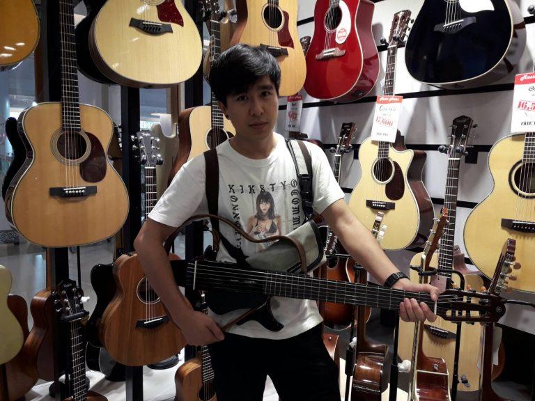 ลูกค้าที่ซื้อ Silent Guitar SLG200N