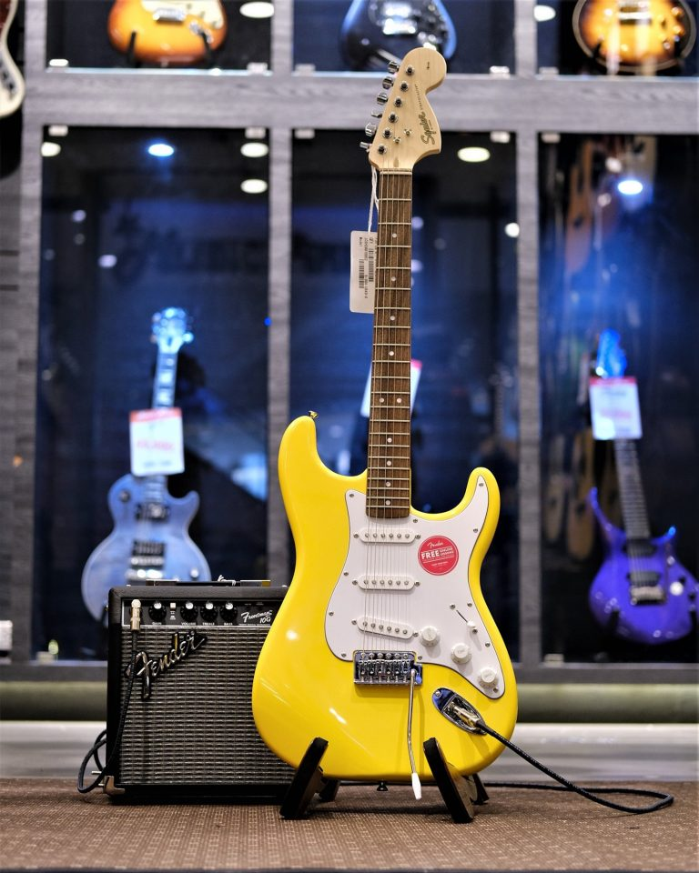Showcase Squier Affinity Stratocaster