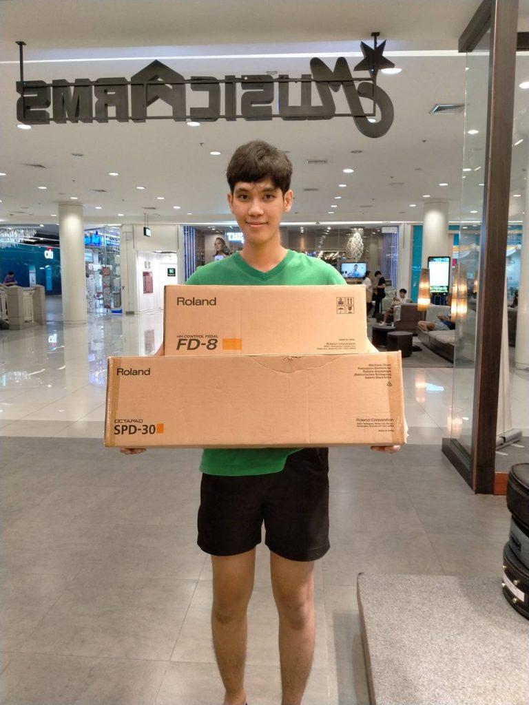 ลูกค้าที่ซื้อ ไฮแฮทกลองไฟฟ้า ROLAND FD-8
