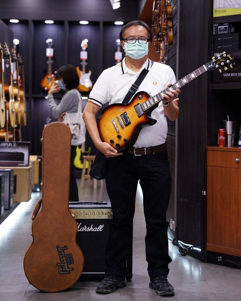 ลูกค้าที่ซื้อ Gibson Les Paul Studio 2016 T