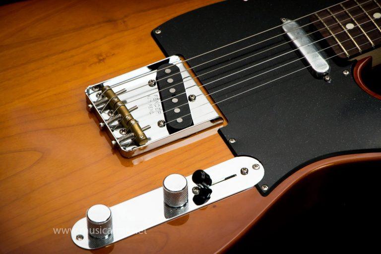 รายละเอียด Fender American Performer Telecaster RW ขายราคาพิเศษ