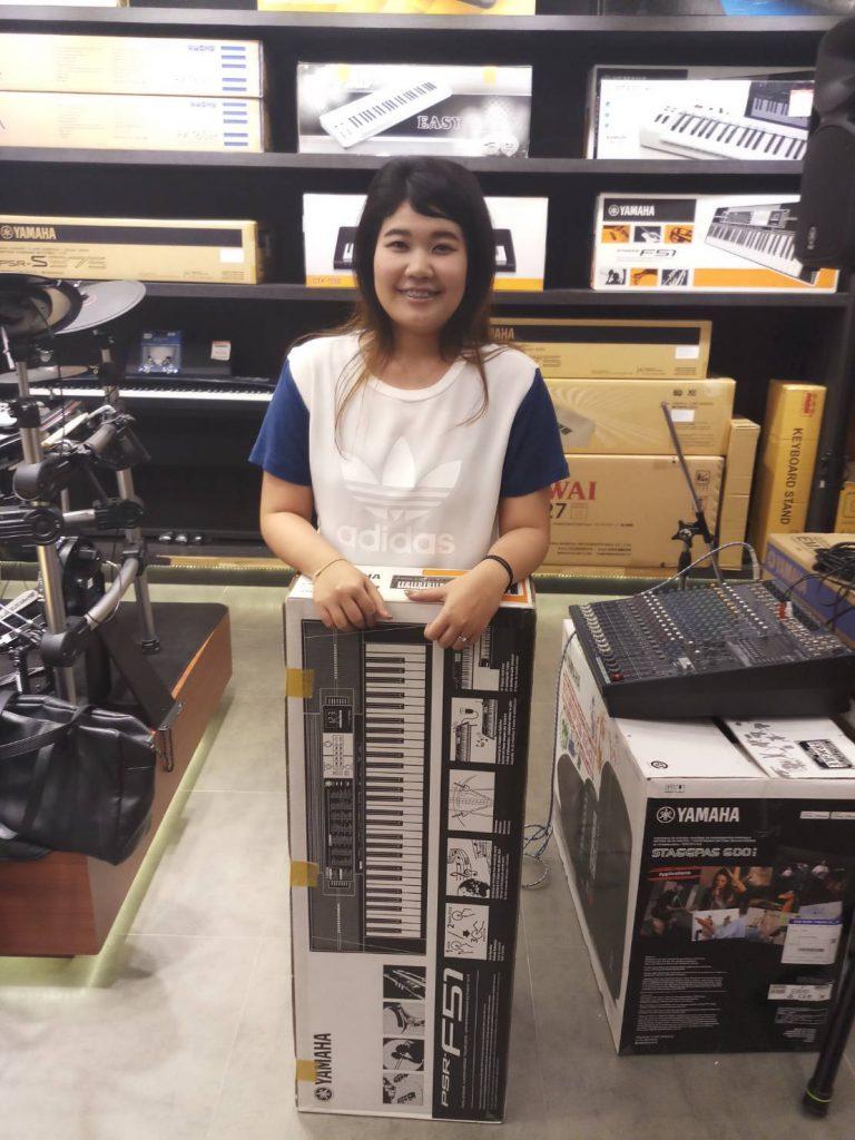ลูกค้าที่ซื้อ Yamaha PSR-F51