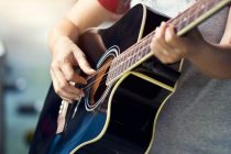 4 วิธี เล่นกีต้าร์ให้ออกสำเนียงฟังเป็นทำนองขึ้น