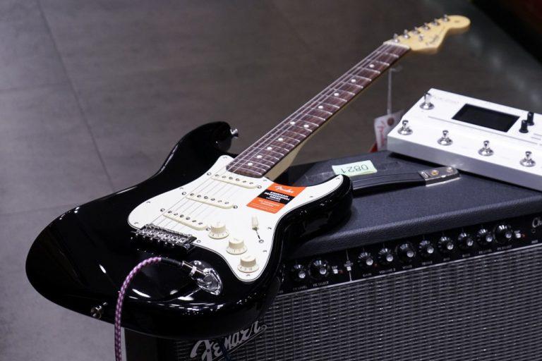 Showcase Fender American Professional Stratocaster