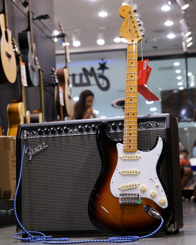 Showcase Fender Jimi Hendrix Stratocaster