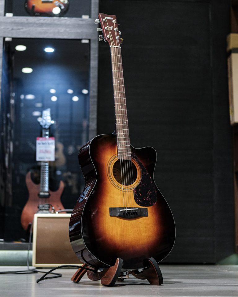 Showcase Yamaha FSX315C
