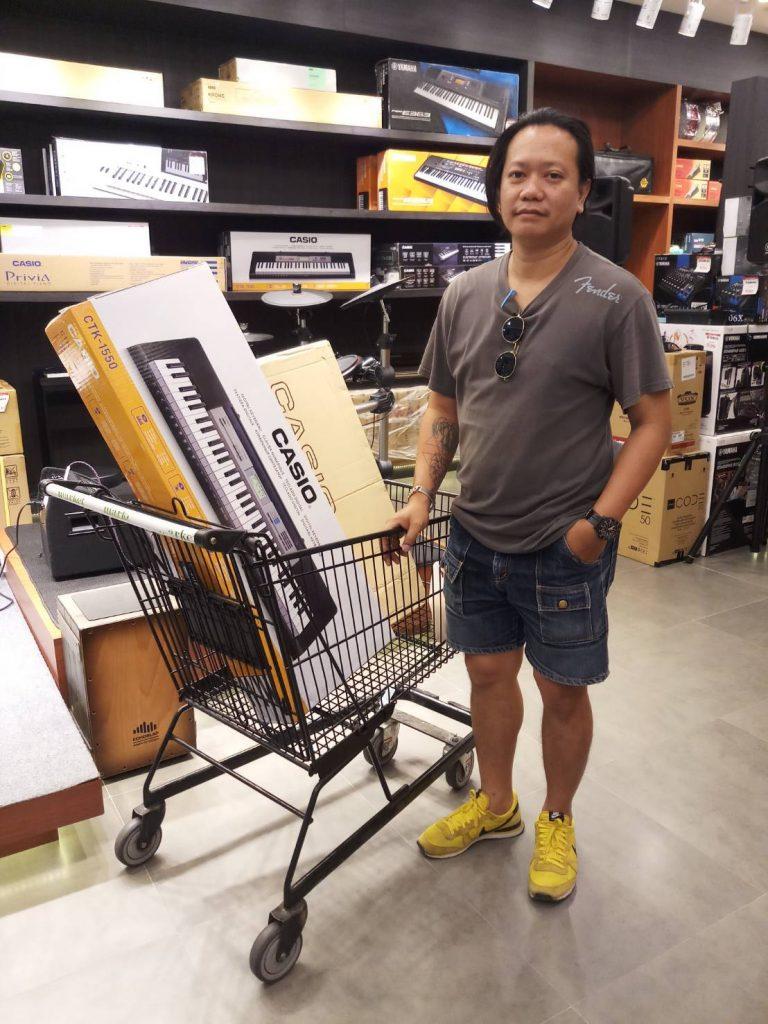 ลูกค้าที่ซื้อ Casio CTK 1550 คีย์บอร์ดคุณภาพ