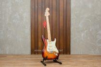 กีต้าร์ Fender Deluxe Stratocaster HSS
