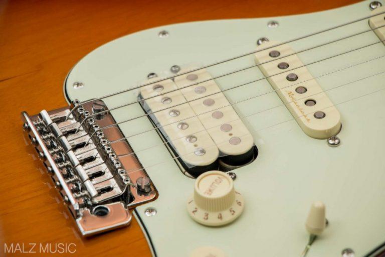 Fender Deluxe Stratocaster HSS pickup ขายราคาพิเศษ