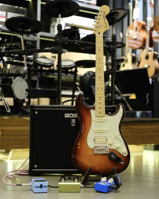 Showcase Fender Deluxe Stratocaster HSS