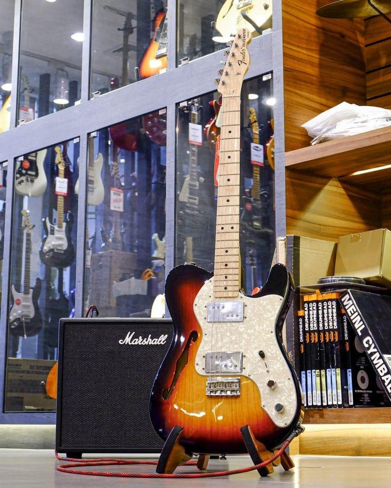Showcase Fender 72 Tele Thinline mn SB