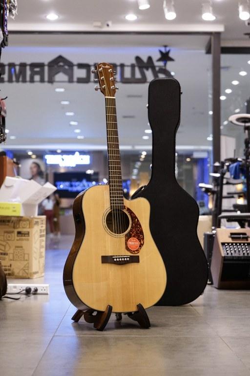 Showcase Fender CD-140SCE