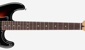กีต้าร์ Fender Deluxe Stratocasterคอ