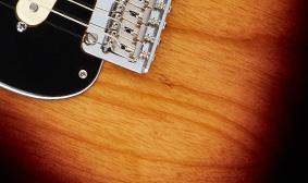 กีต้าร์ Fender Deluxe Stratocasterตัว