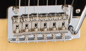 กีต้าร์ Fender Deluxe Stratocasterตั้งสาย