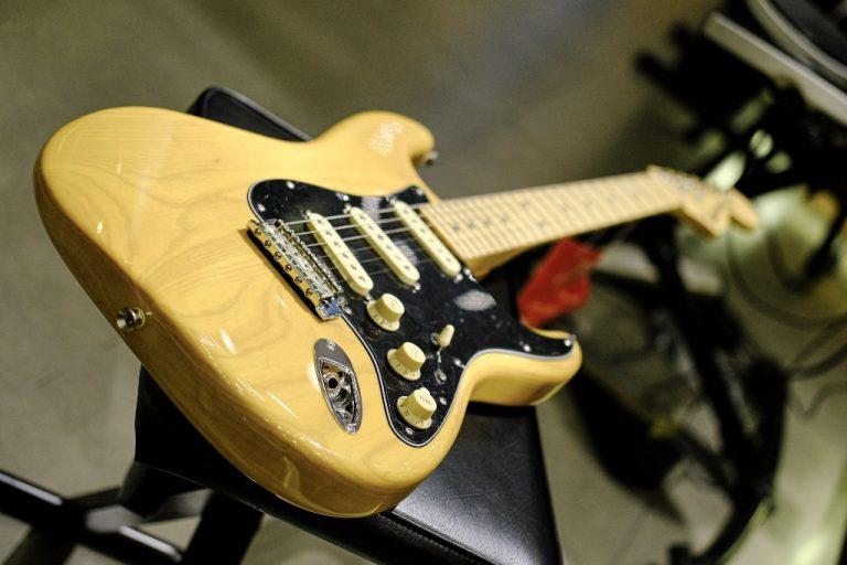 Showcase Fender Deluxe Stratocaster
