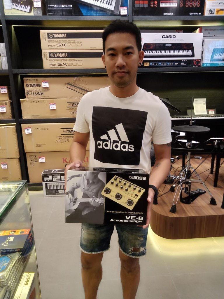 ลูกค้าที่ซื้อ Boss VE-8 Acoustic Singer