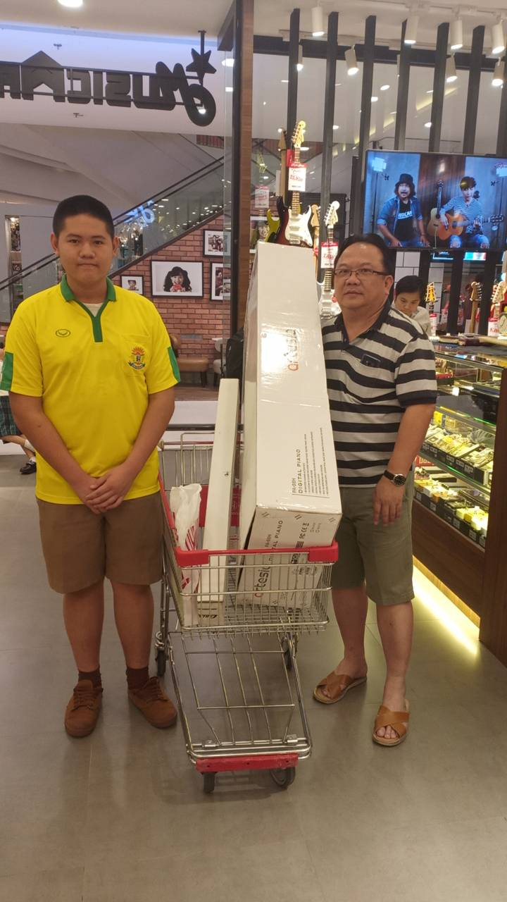 ลูกค้าที่ซื้อ เปียโนไฟฟ้า Artesia PA-88H