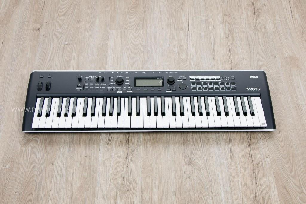Keyboard Korg Kross 2 61 Keys