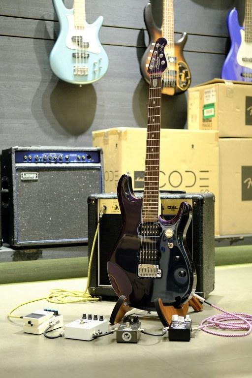 Showcase กีต้าร์ไฟฟ้า Sterling JP60 John Petrucci