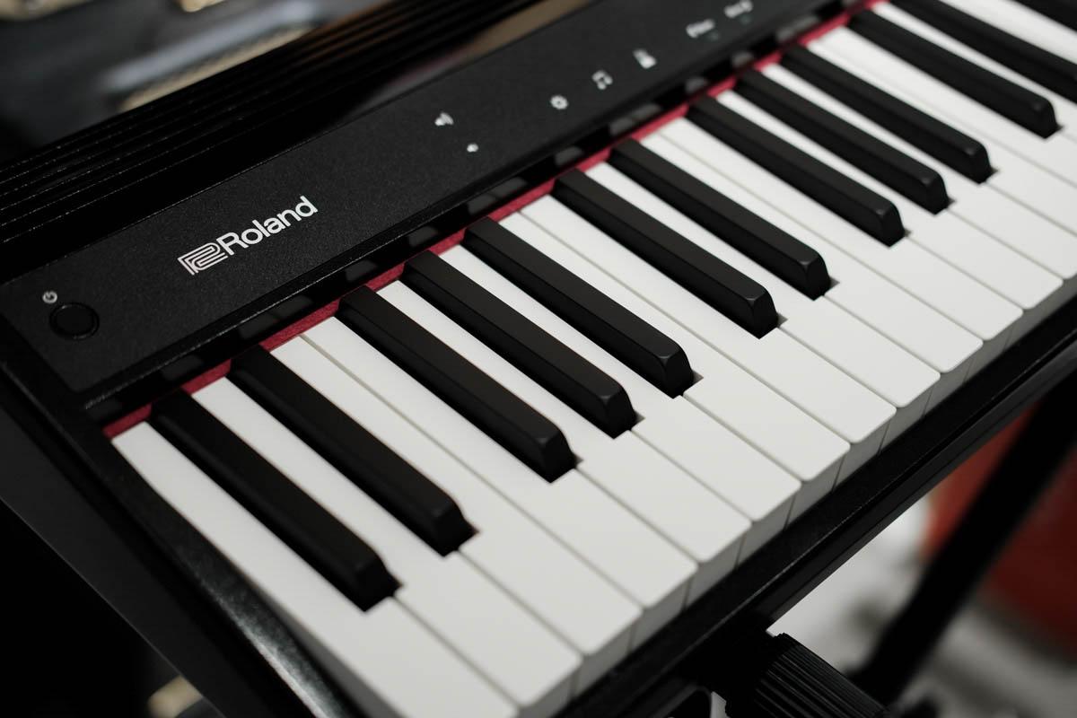 เปียโนไฟฟ้า Roland Go-61P Digital display