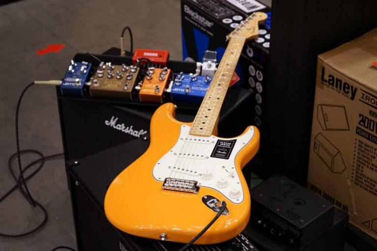 Showcase กีต้าร์ไฟฟ้า Fender Player Stratocaster