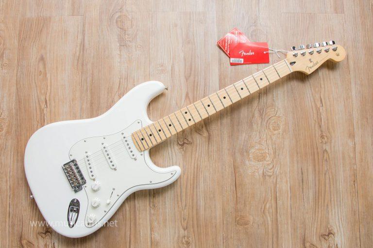 Fender Player Stratocaster wh ขายราคาพิเศษ