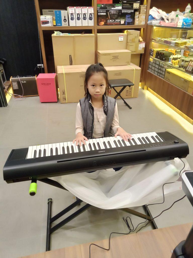 ลูกค้าที่ซื้อ เปียโนไฟฟ้า Yamaha Piaggero NP-12