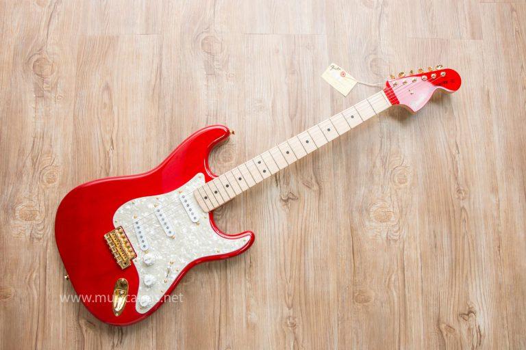Fender / MAMI ( SCANDAL ) STRATOCASTER ขายราคาพิเศษ