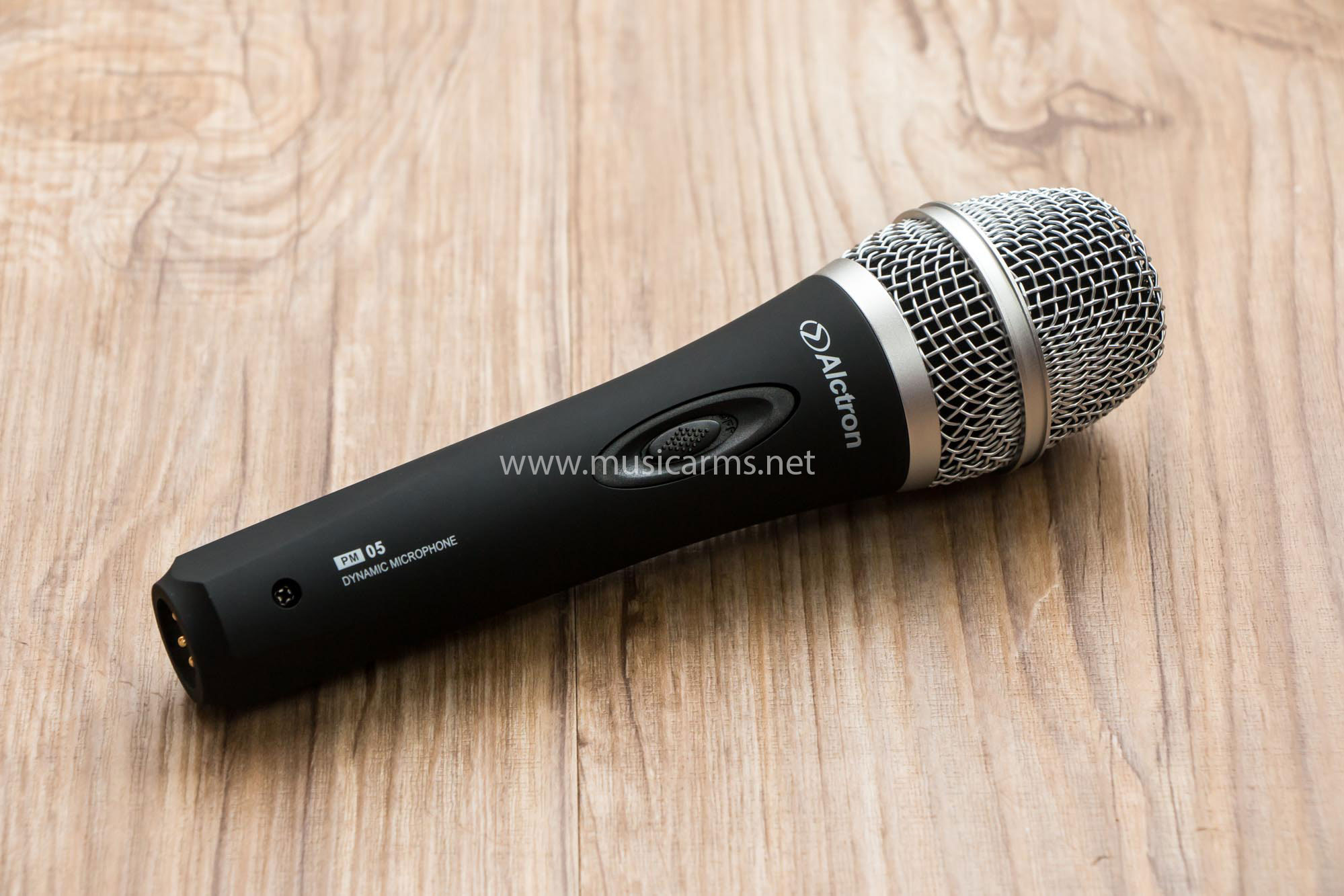 Alctron PM05 Dynamic Microphone