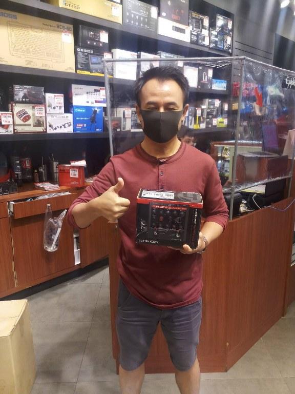 ลูกค้าที่ซื้อ TC Electronic Voice Tone Harmony G XT