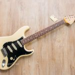 Fender Stratocaster Olarn สีขาว ขายราคาพิเศษ
