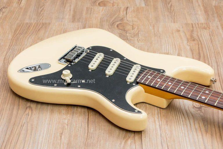 Fender Stratocaster Olarn White body ขายราคาพิเศษ