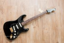 ขาย Fender FSR Traditional blk out strat