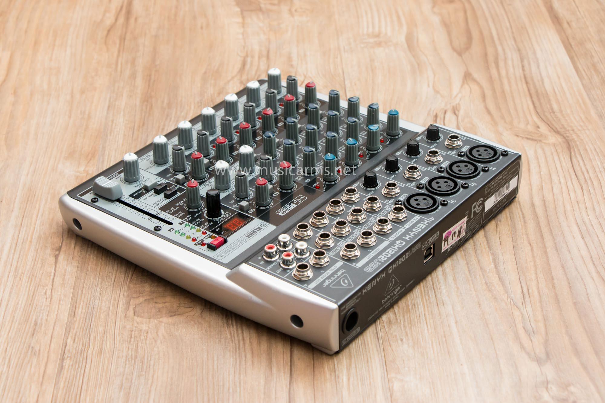 Mixer Behringer Xenyx QX1202USB Mixer