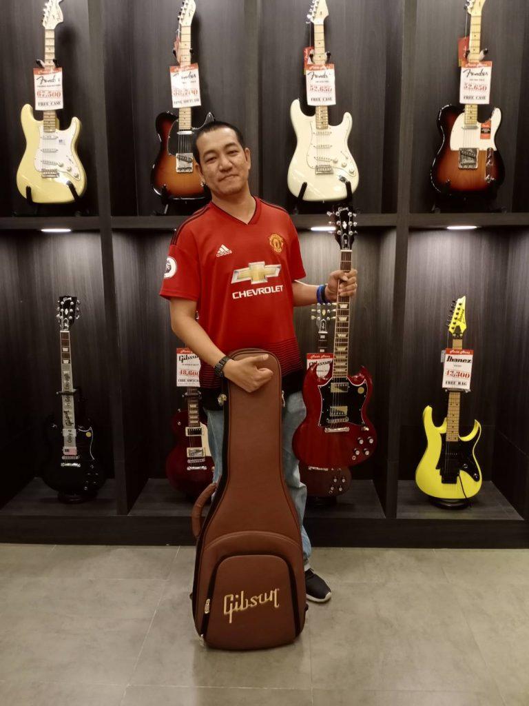 ลูกค้าที่ซื้อ Gibson SG Standard 2019