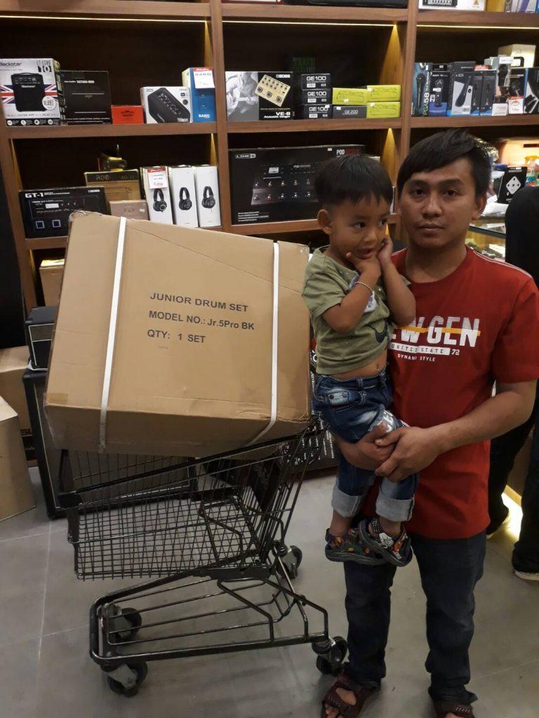ลูกค้าที่ซื้อ กลองชุดเด็ก Gusta Jr.5 Pro