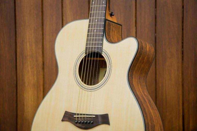 Gusta OM2C acoustic guitar ขายราคาพิเศษ