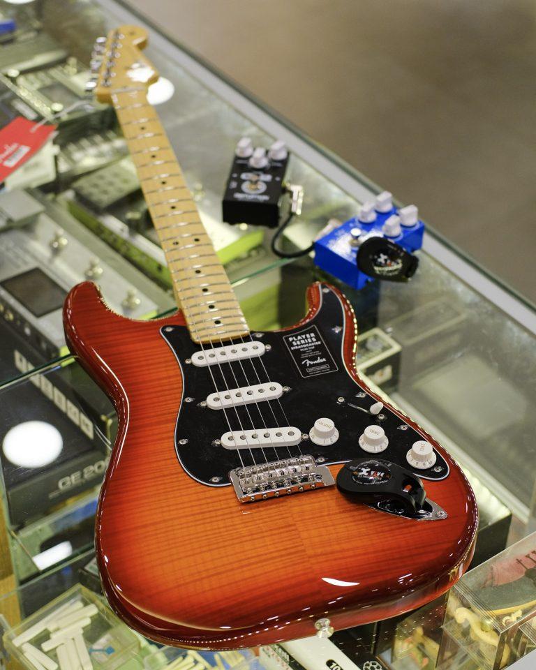 Showcase Fender Player Stratocaster Plus Top
