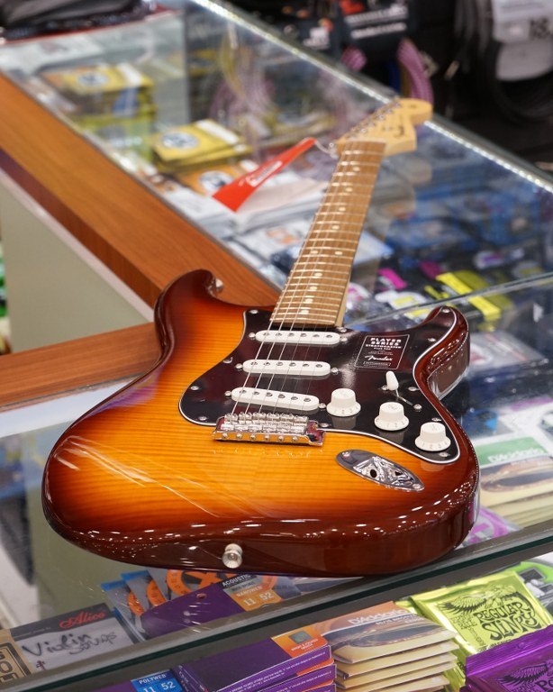 Showcase Fender Player Stratocaster Plus Top